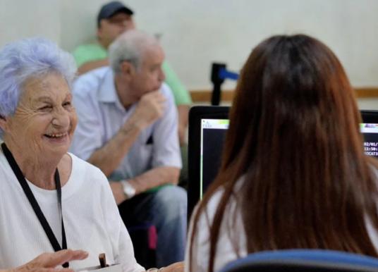 Jubilados y pensionados fueron exceptuados de la prohibición de circulación el domingo