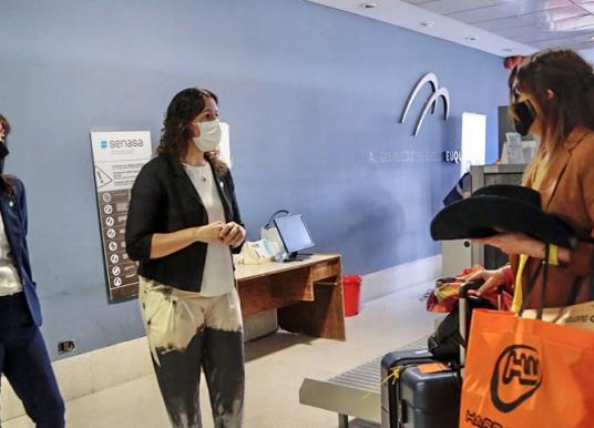 Arribó el primer vuelo al aeropuerto de Neuquén