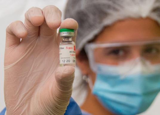 Se aplicaron 869 dosis del segundo componente contra el COVID-19